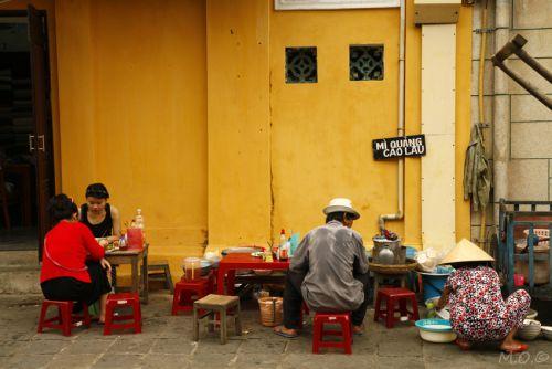 Manger moins cher au Vietnam dans les restaurants de rue