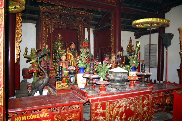 Autel Temple Ngoc Son