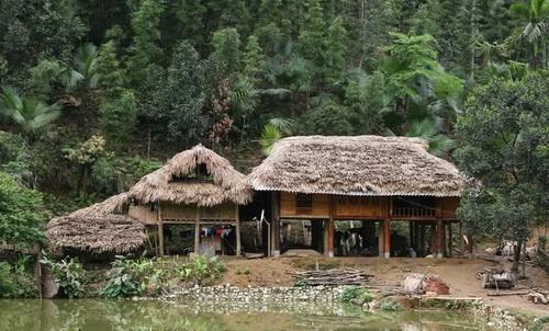 Logement chez l'habitant Thac Ba