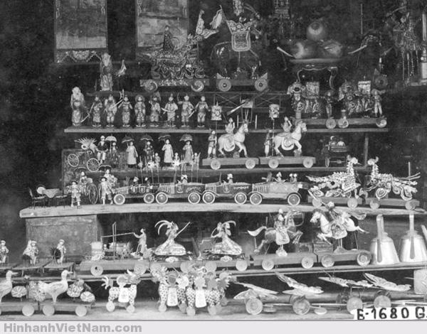 đồ-chơi-được-bày-bán-ở-những-khu-chợ-xưa