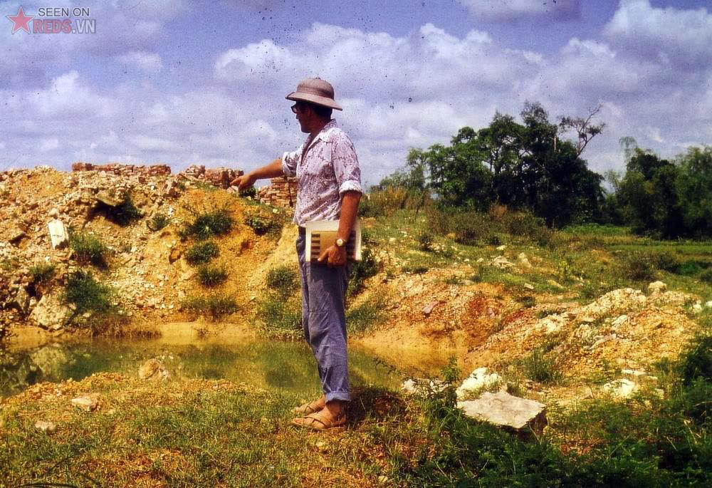 Cratere de bombe Nord Vietnam