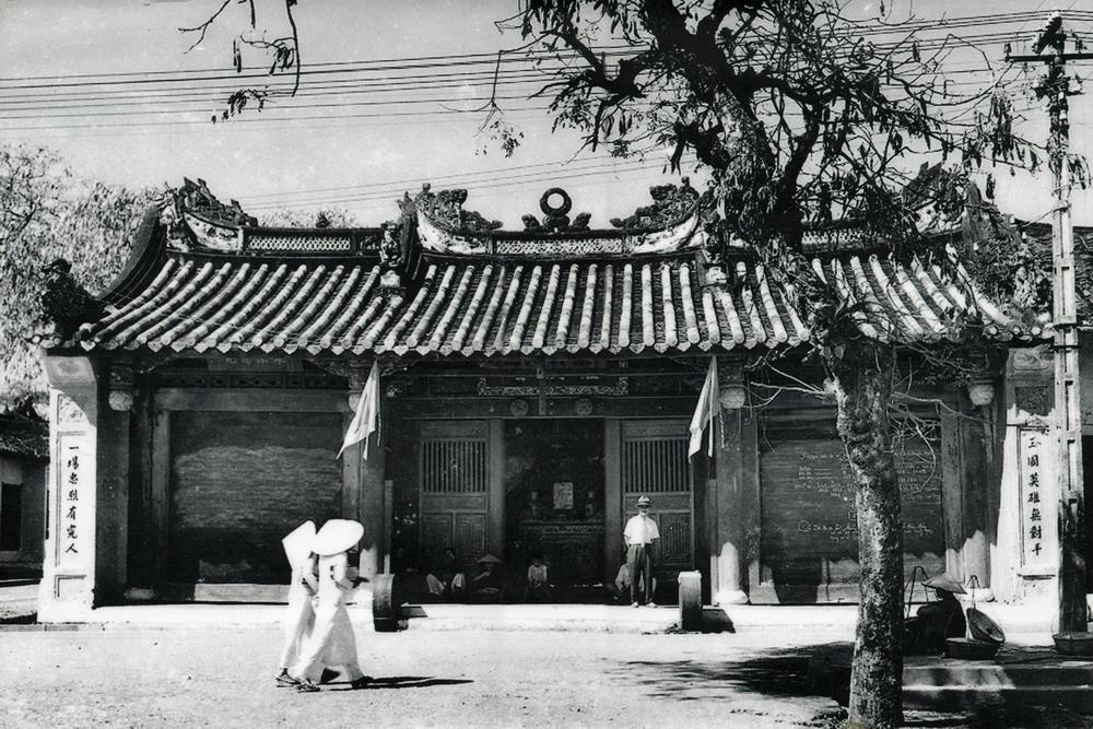 Temple Hoi An en Noir et Blanc