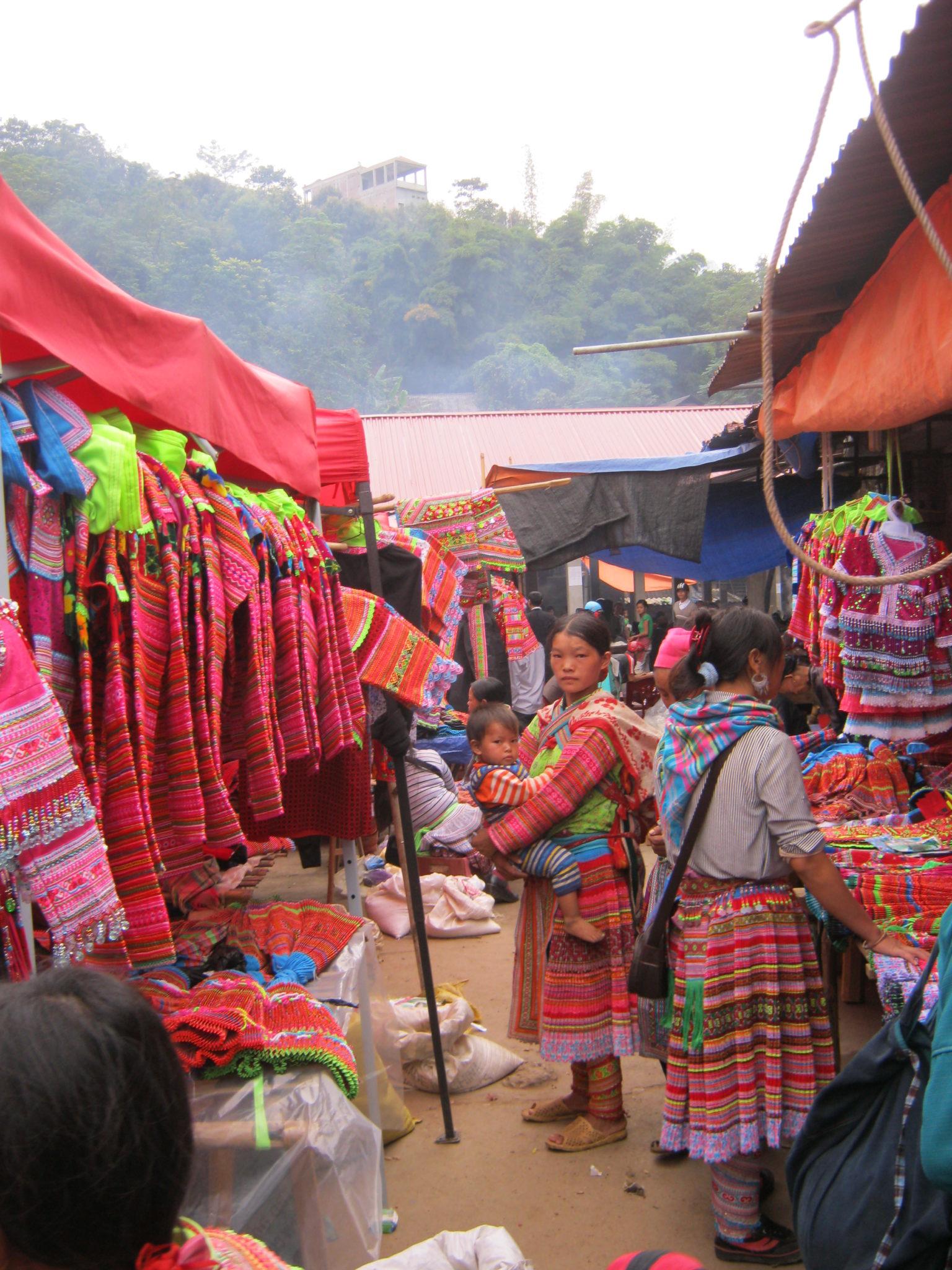 vetements Marché Xin Man, ou Coc Pai, Ha Giang