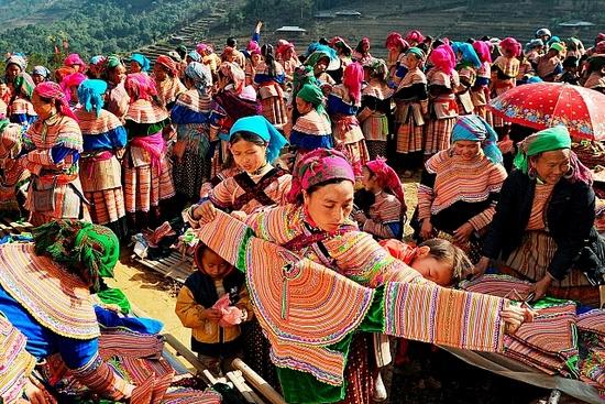 Hmong Barioles